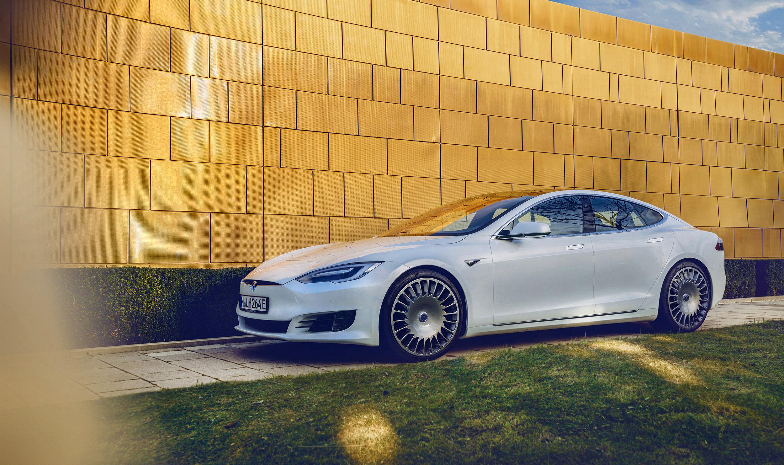 Tesla_MHA1152_3